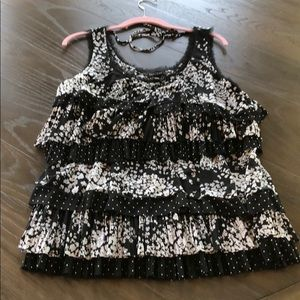 Awesome WHBM Ruffle Top XL Excellent Condition